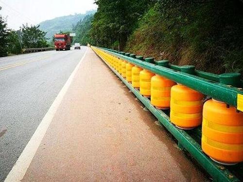 高速防撞护栏